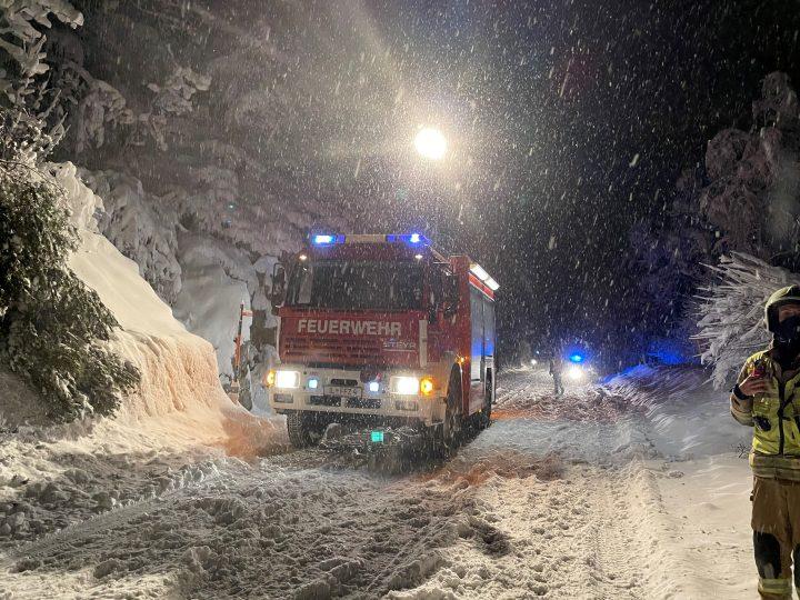 Feuerwehren im Wintereinsatz
